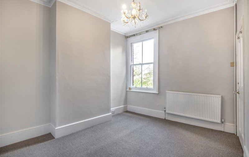 Property to rent in Byron Villas, London