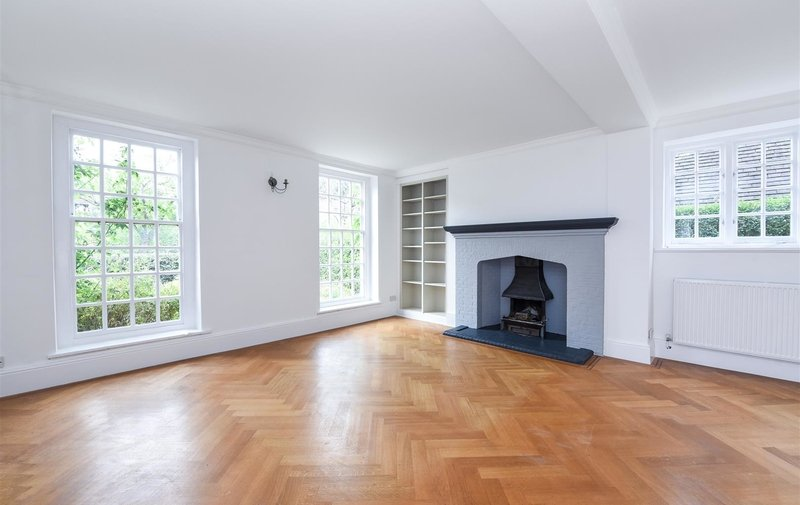 House to rent in Wildwood Road, Hampstead Garden Suburb