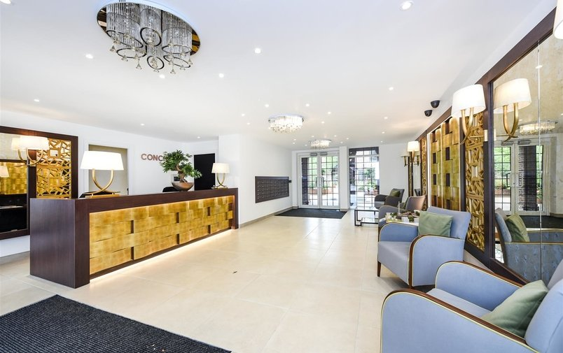 House to rent in Hampstead Reach, Hampstead Garden Suburb