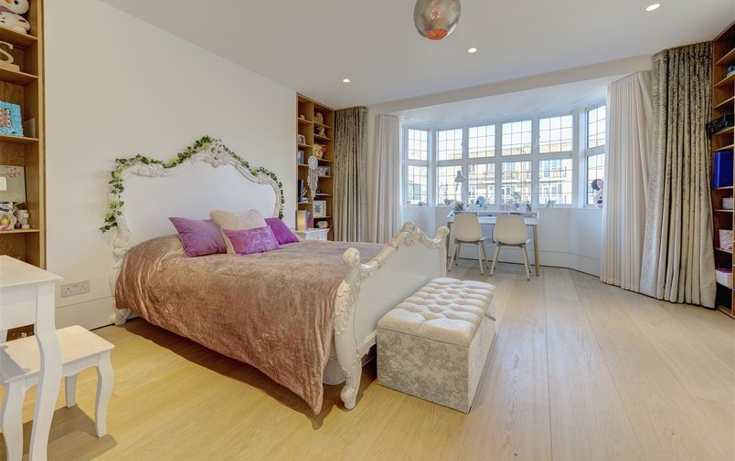 House to rent in Lawn Road, Belsize Park