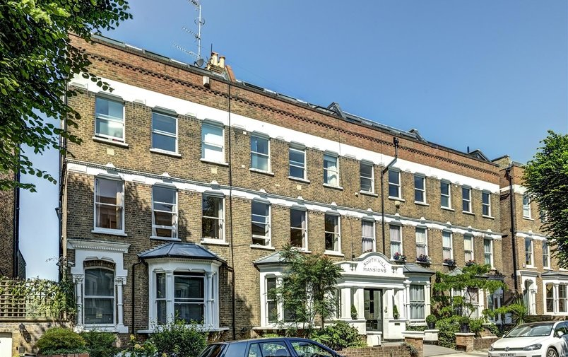 Flat to rent in South Hill Park, Hampstead