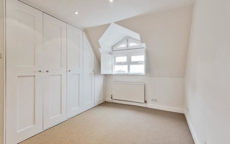 House to rent in West Heath Road, London